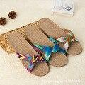 2016 Мода Льна Домашние Тапочки Закрытый Этаж Обувь Крест Пояса Бесшумный Пот Тапочки Для Лета Женщин Сандалии