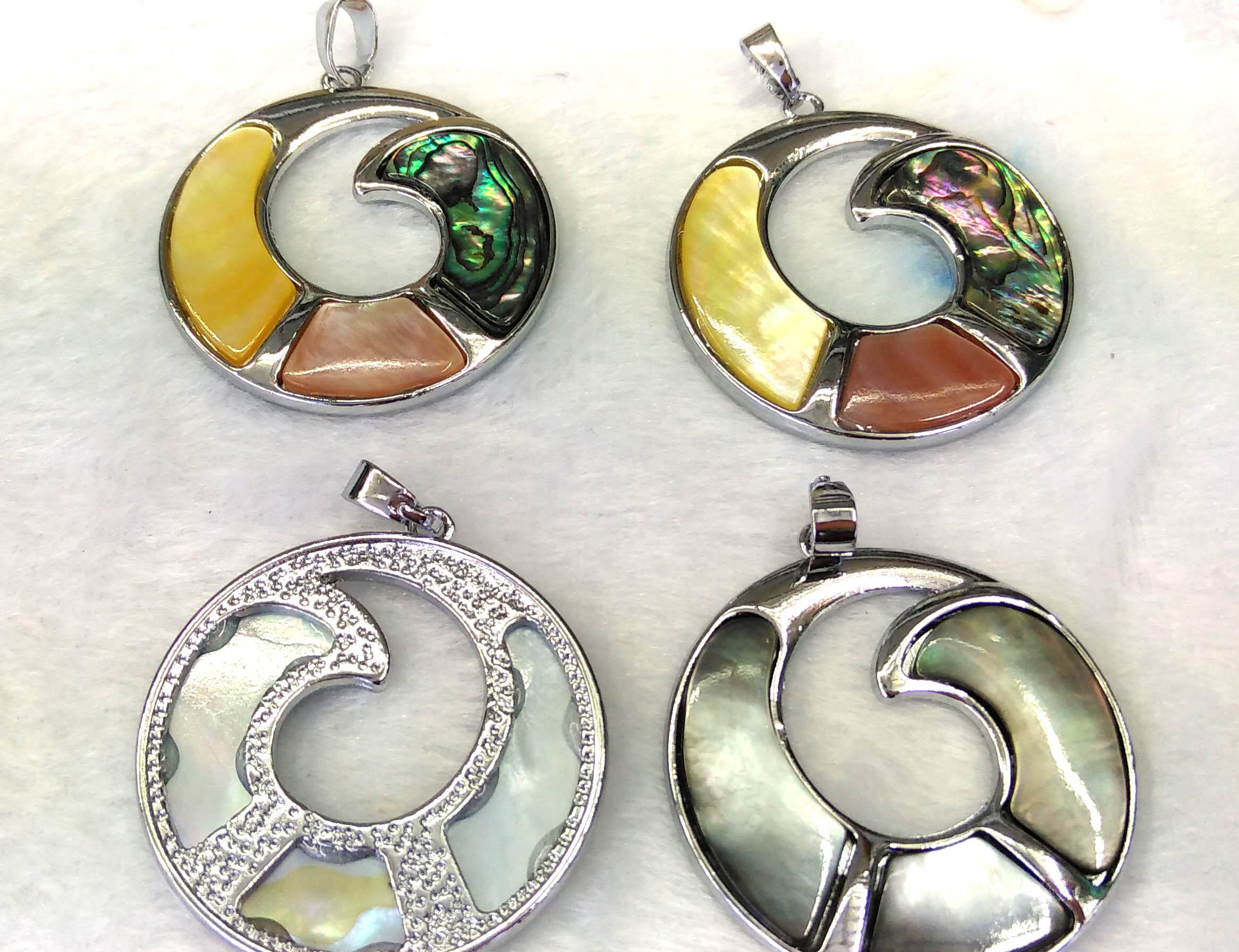 Abalone Shell Horn pendant with Electroplated Silver Edge S118B3-24