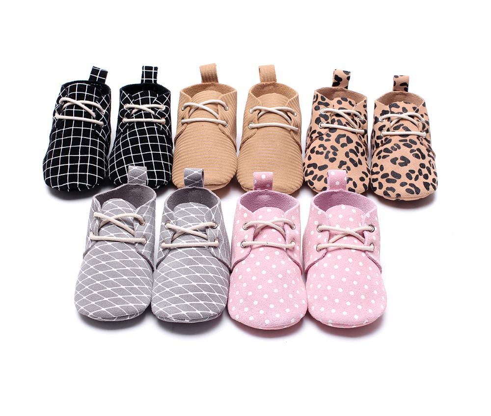 цена 2018 Leopard soft sole girl boy baby moccasins genuine leather Mesh print lace up polka dot oxford baby shoes first walkers