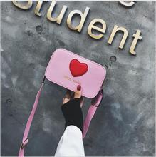 купить 2018 PU Leather Red Love Heart Crossbody Bag for Women Handbags Girls Wide Strap Flap Shoulder Bags Casual Travel Messenger Bags дешево