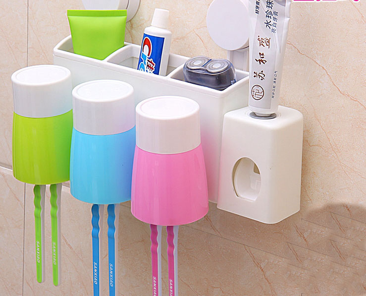 Three Peices Set Wall Hanging Type Brush Cup Creative Bathroom Accessories Brush Cup Holder Free Shipping