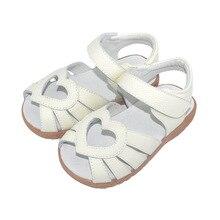 Сандалии для девочек; Новинка года; детская обувь из натуральной кожи; детские сандалии с вырезами в форме сердца; обувь для малышей; Sandalias Zapatos