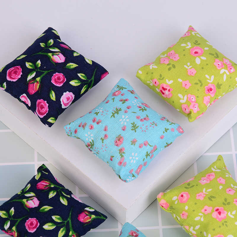 2Pcs Flower Pillow Cushions For Sofa Couch Bed 1/12 Dollhouse Miniature Furniture Toys