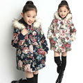 Envío de la nueva llegada de invierno niña engrosamiento de algodón acolchado ropa ropa de cuero De Imitación sombrero decorativo niña prendas de vestir exteriores