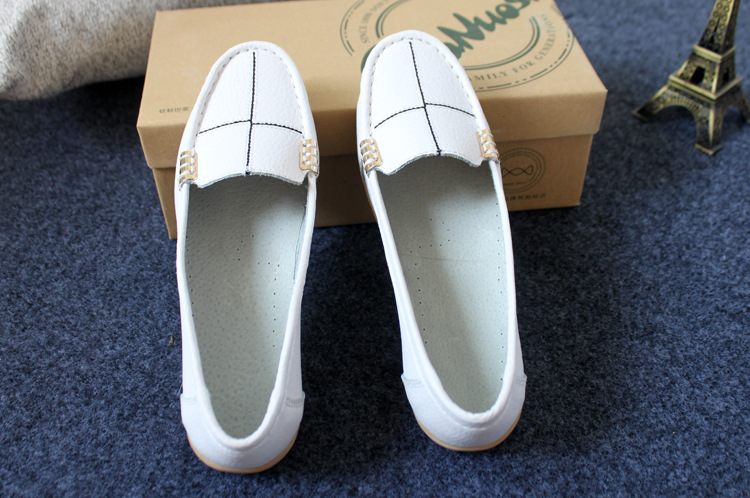 Women ' s shoes 2018 spring and summer new women ' s casual shoes slip-on shallow mouth women's flat shoes 2017 spring and summer new women s shoes female pointed shallow mouth slope with high heel shoe side empty leather woman s shoes
