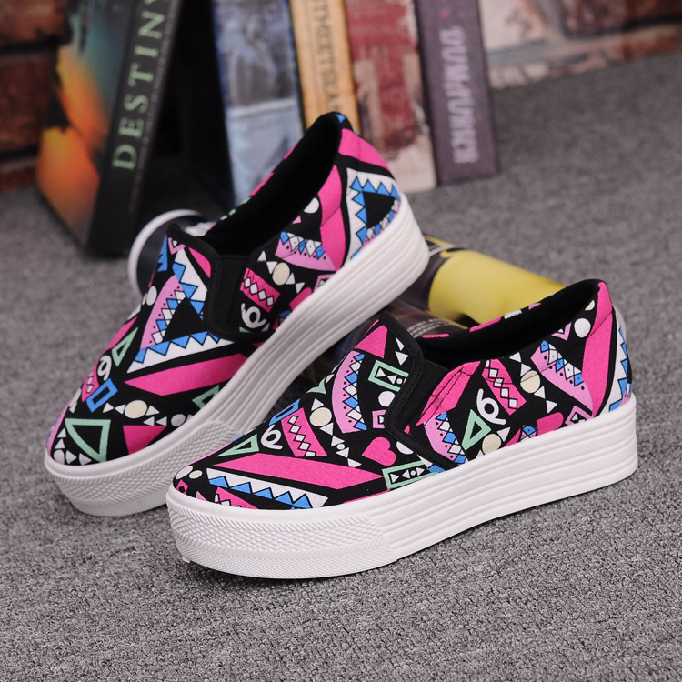 Canvas Shoes Women Girl 2016 New Footwear Female Slip On Platform Casual Shoes Flatform Autumn Graffiti Round Toe Loafers Flats (3)