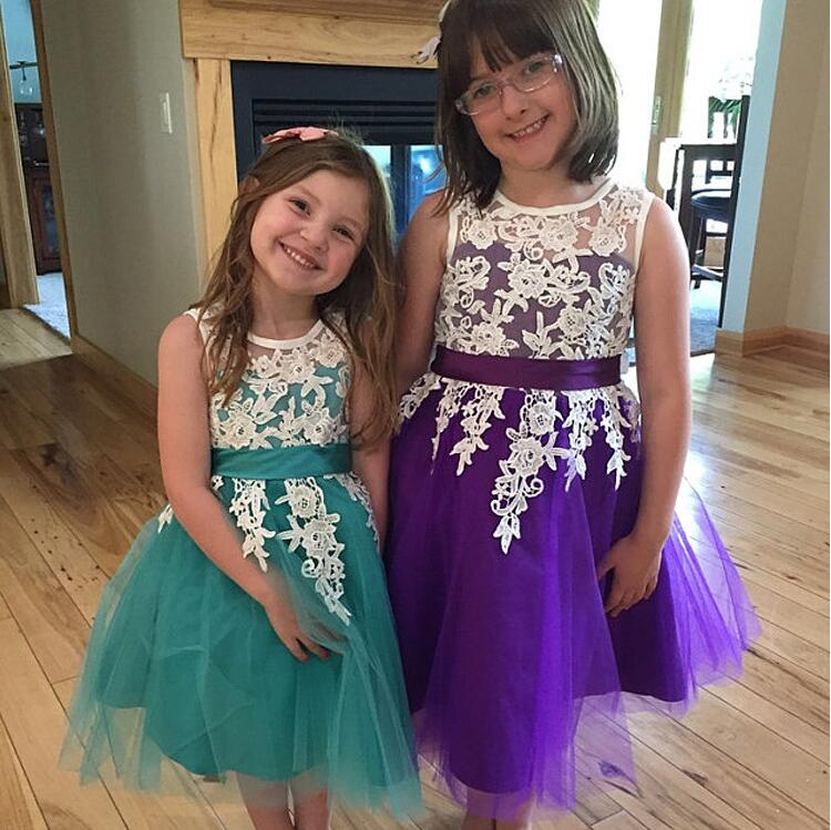 Knee-Lnegth Flower Girls Dresses for Wedding Lace Girls A-Line Communion Dresses Tulle Pageant Dresses Mother Daughter Dresses mermaid flower girls dresses for wedding lace holy communion dresses tulle pageant dresses for little girls