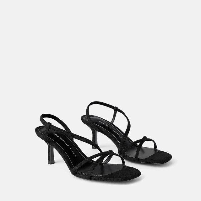 Nova palavra de verão com sandálias femininas selvagem simples camurça com dedo aberto grosso com sapatos de maré de mulheres.