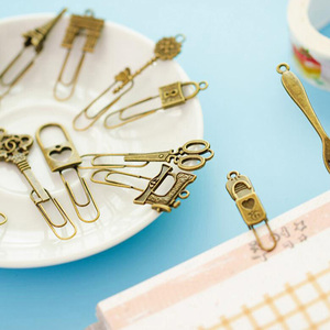 Image 2 - 10 Piece/lot Cute Metal Bookmark Vintage Key Bookmarks Paper Clip For Book Stationery Free Shipping School Office Book Marks