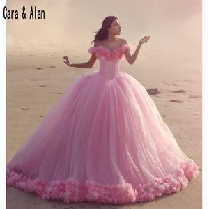 Image 2 - Nowy Puffy spódnica różowy księżniczka Quinceanera sukienki 3D kwiaty vestidos de 15 anos suknie ślubne kaplica pociąg
