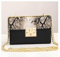 2017 serpentin Frauen Messenger Bags Damen Mini Crossbody Tasche Mode Goldene Kette Tasche Weibliche Python Haut Klappe Telefon Taschen C066