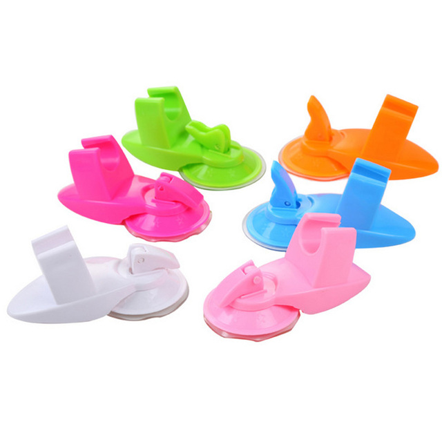 1 Pcs  Random Color Strong Sucker Shower Seat Stand Base Shower Head Silicone Bracket Shower Suction Cup Holder Bathroom Accesso