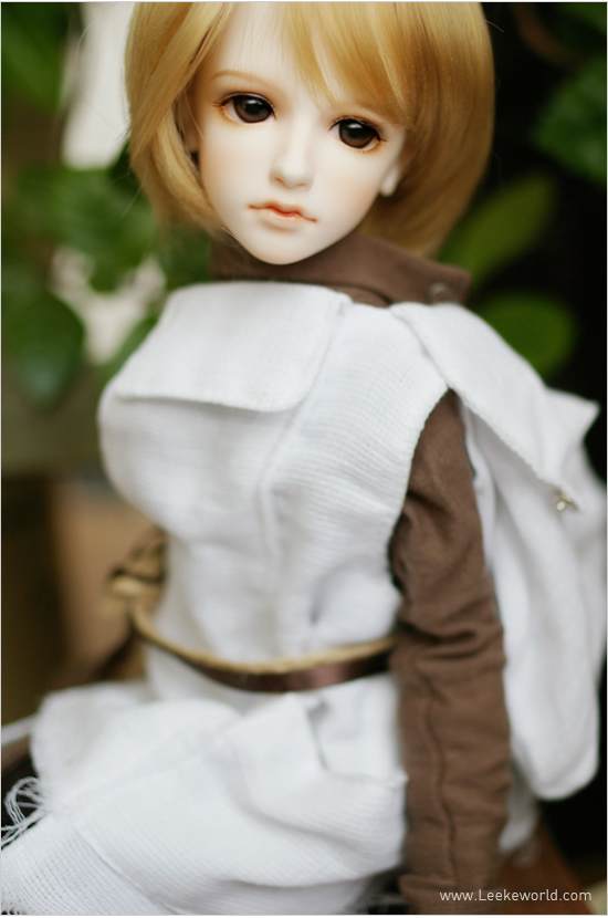 1/4 scale 41cm  BJD nude doll DIY Make up,Dress up SD doll. LEEKE Wien (Basic Set).not included Apparel and wig 1 4 scale 43cm bjd nude doll diy make up dress up sd doll girl elena not included apparel and wig