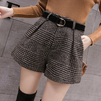 2019 New Autumn Winter Wool Shorts Women Korean High Waist Plaid Wide Leg Shorts Femme Casual Loose Boots Shorts 1
