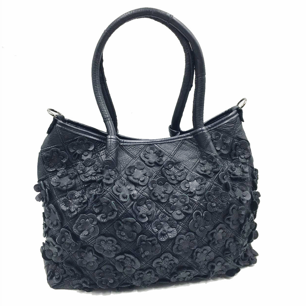 2017 Fashion Women Bags Stitching flowers women messenger bags genuine leather crossbody bag shoulder bags woman black handbags genuine leather fashion women handbags bucket tote crossbody bags embossing flowers cowhide lady messenger shoulder bags