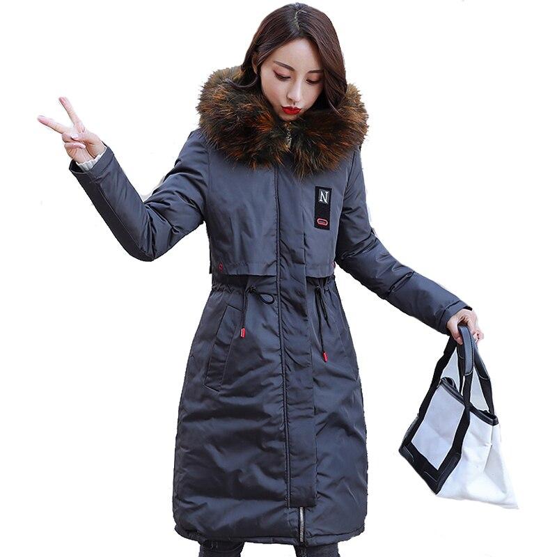 2018 Новое поступление зимняя куртка Для женщин Длинные Верхняя одежда с хлопковой подкладкой Для женщин пальто парка с красочными меховые ж...