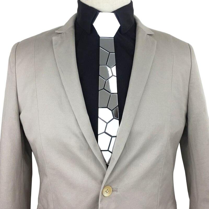 necktie tie