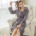 Promoción Nuevo Leopardo Bata De Felpa Adultos Mujeres Con Capucha Pijama de Otoño de Manga Larga ropa de Dormir Batas Batas de Baño Albornoz SMT
