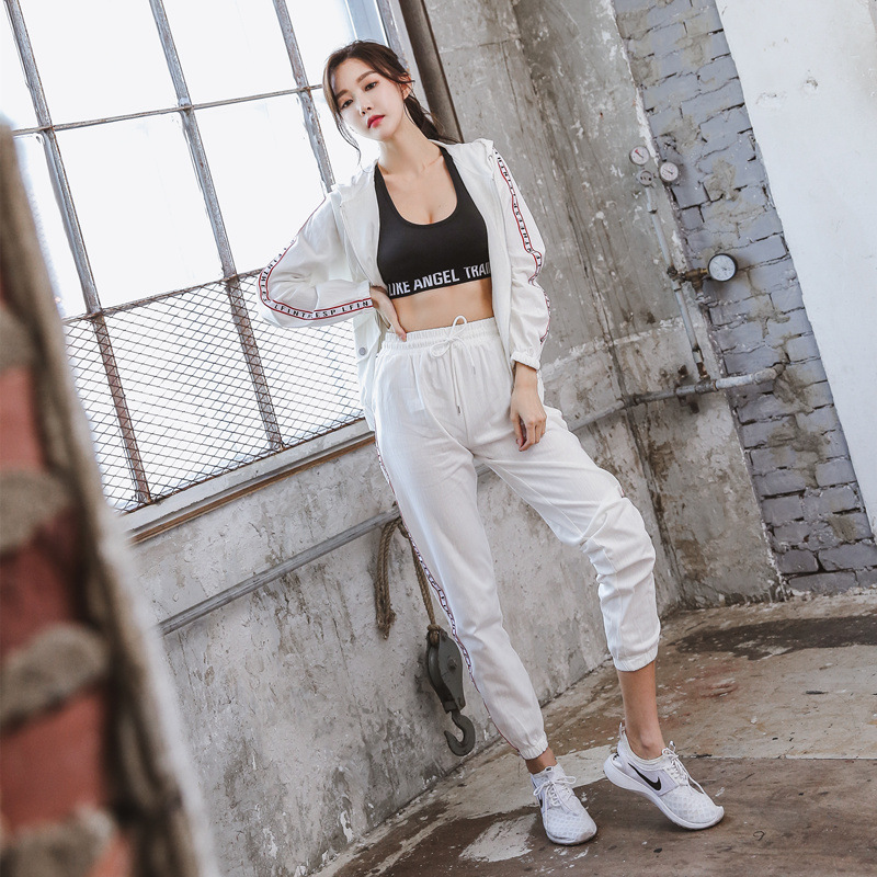 Running Workout Clothes Quick drying Yoga Clothes Morning Running Sportswear Gym Sports Suit Women in Trainning Exercise Sets from Sports Entertainment