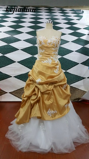 34fa104ef00 White and Gold wedding dresses Beading Sweetheart Satin Embroidery Lace-up  Brides dress Ball Gown wedding down Custom Size