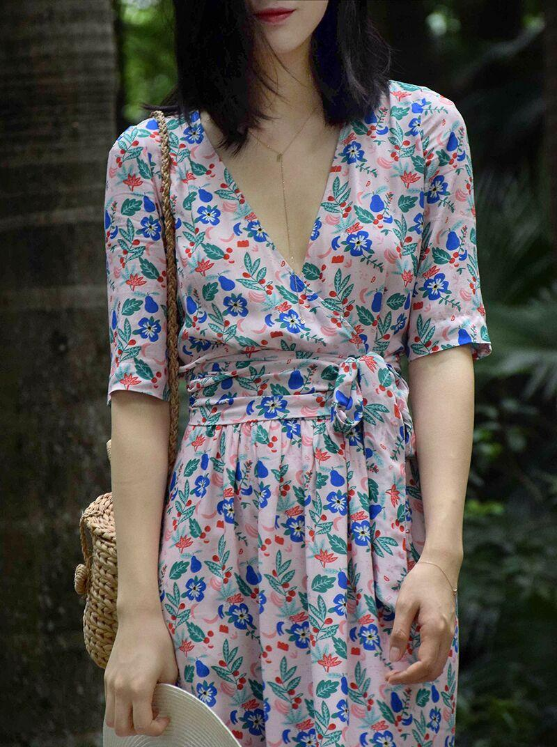 Mid length printed robe floral dress V neck A line dress in soft viscose printed with