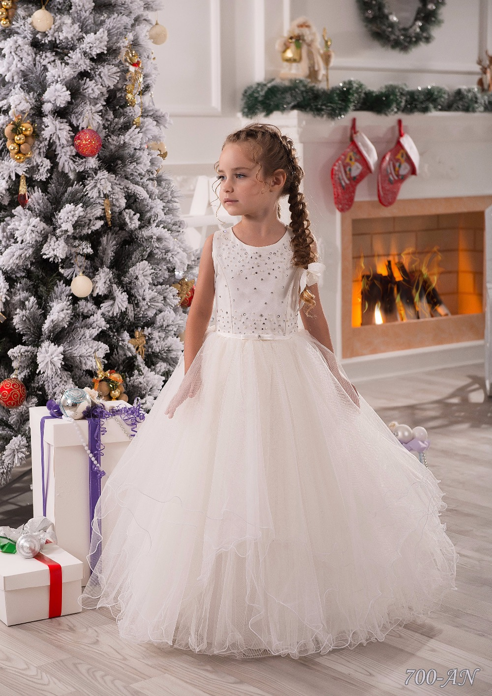 Elegant Lace Appliques Sleeveless Long Ruffles Holy Communion Infant Girls Dresses Beading Tulle Ball Gowns 2017 New 2-12 Y new arrival flower girls dresses high quality lace appliques beading short sleeve ball gowns custom holy first communion gowns