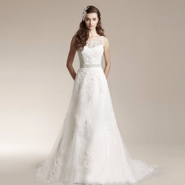 Lace Wedding Dress Appliques V Back Sleeveless Bridal Gowns Bride ...