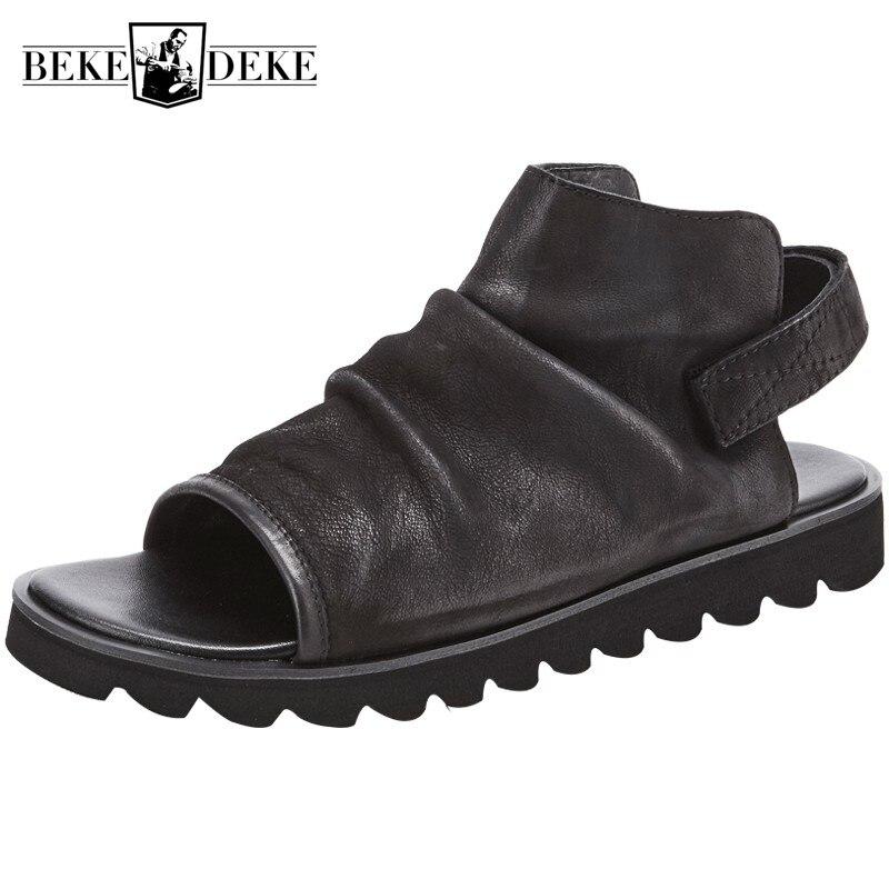 Brytyjski sandały mężczyźni oryginalne skórzane buty letnie otwarte Toe luksusowe Sandały gladiatorki na zewnątrz antypoślizgowe plażowe klapki japonki Sandalias w Sandały męskie od Buty na  Grupa 1
