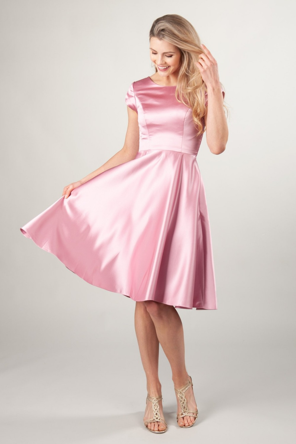 Pink Satin A-line Short Modest   Bridesmaid     Dresses   With Cap Sleeves O Neck Knee Length Informal Modest   Bridesmaid   Gown Custom