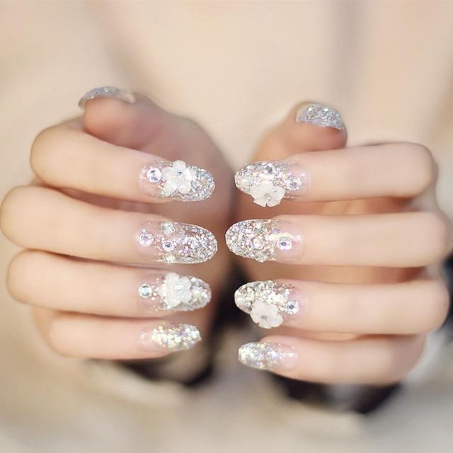 faux ongles pour un mariage