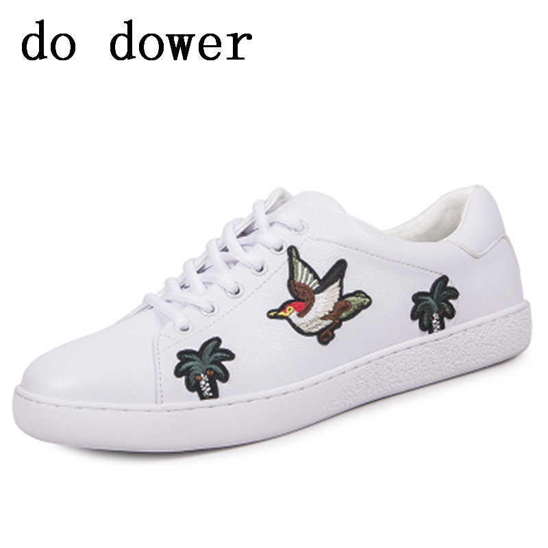 Spring New Hot Men Casual Shoes Luxury Trainers Tide Summer Male Leather Embroidery Bird Flower White Shoes Lace-up Sneakers floral embroidery lace up sneakers