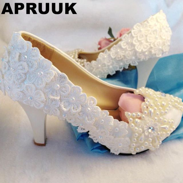 Sweet beading stars ivory wedding shoes women handmade lace flowers pearls  bridal brides pumps shoes newest a92d09c3da3f