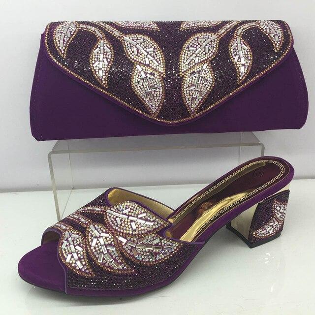 c926532dd Cor roxa Senhoras Italiano Sapatos e Bolsa Conjunto Decorado com Strass  Sapato com Saco Conjunto de