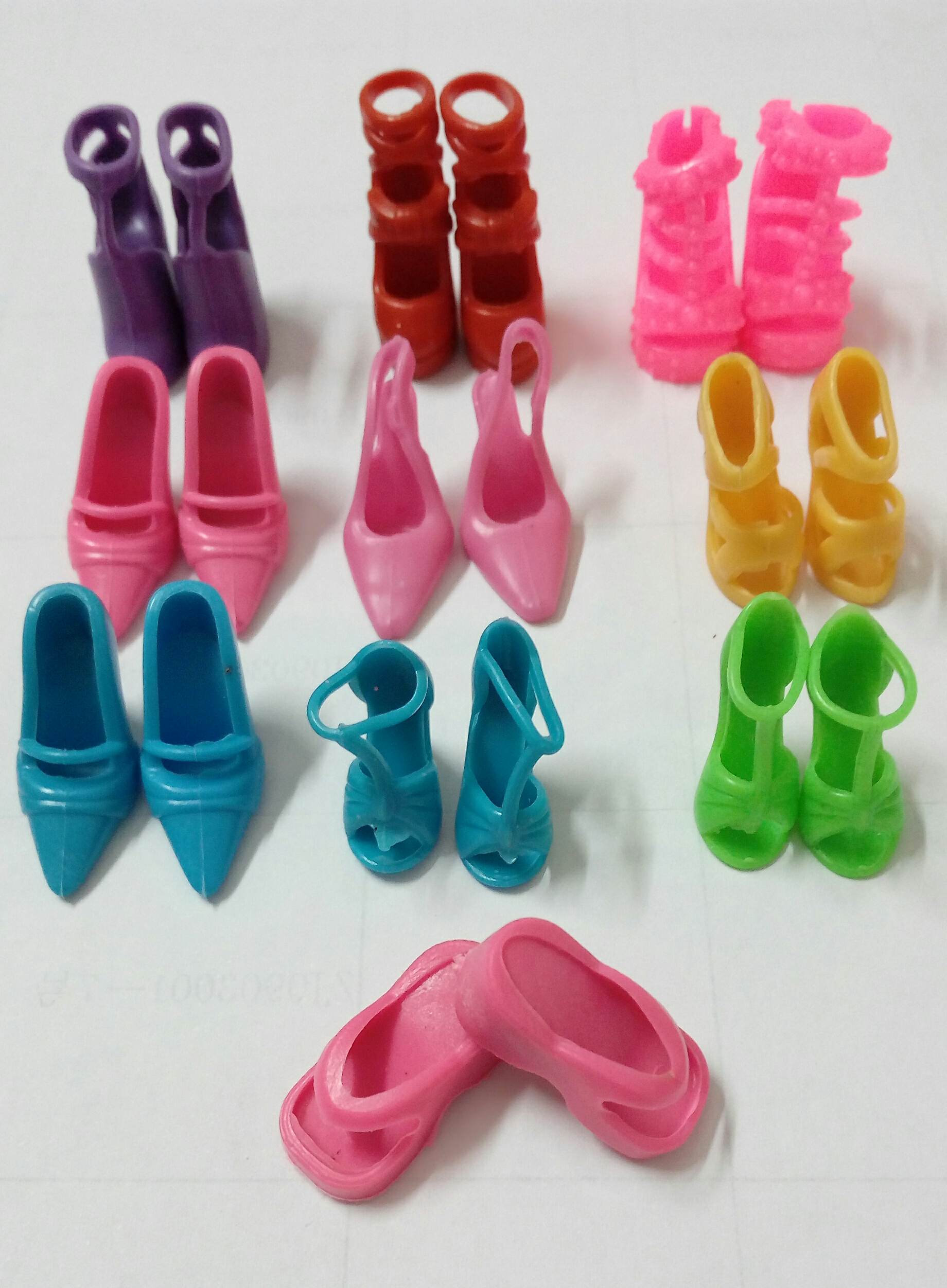 10pairs/lot Combine Colours Doll Equipment Sneakers Slippers Heels Sandals Boots For Barbie Dolls Greatest Reward For Woman Child Toys