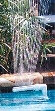 Pool vattenfall fontän för ovanstående och i marken pooler