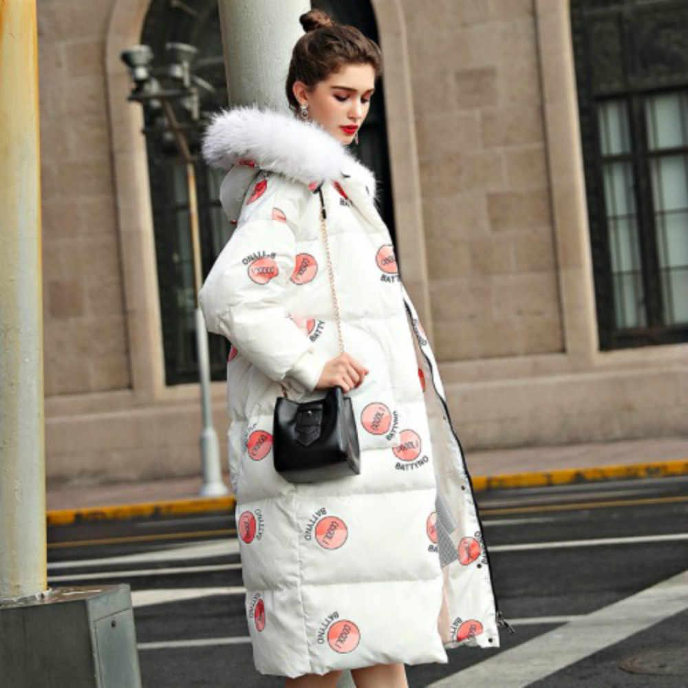 Женская зимняя куртка в европейском стиле с меховым капюшоном и утиным пухом, 2018 Женская парка, длинная Милая свободная теплая верхняя одежда с принтом, пальто
