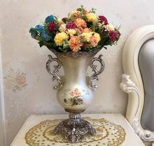 The European vase is decorated with floral decoration and flower pot decoration.