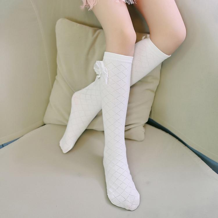 Сексуальные девушки в белых коротких носках