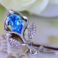 Quality brooch female sweater pins crystal fashion accessories flower corsage