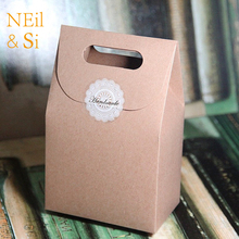 Free Shipping White Black Brown Handle Gift Box Kraft Paper Bag Wedding Favor Candy Boxes Craft Bakery Cookies Biscuits Package