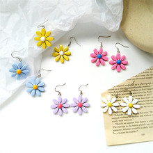 Koreas sweet lovely young girl Daisy flowers contracted wind earrings small and pure fresh colour female