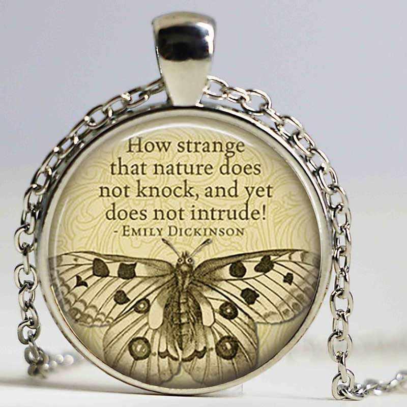 EMILY DICKINSON combien étrange que Nature ..... collier citation verre littéraire Cabochon pendentif bijoux littéraires collier