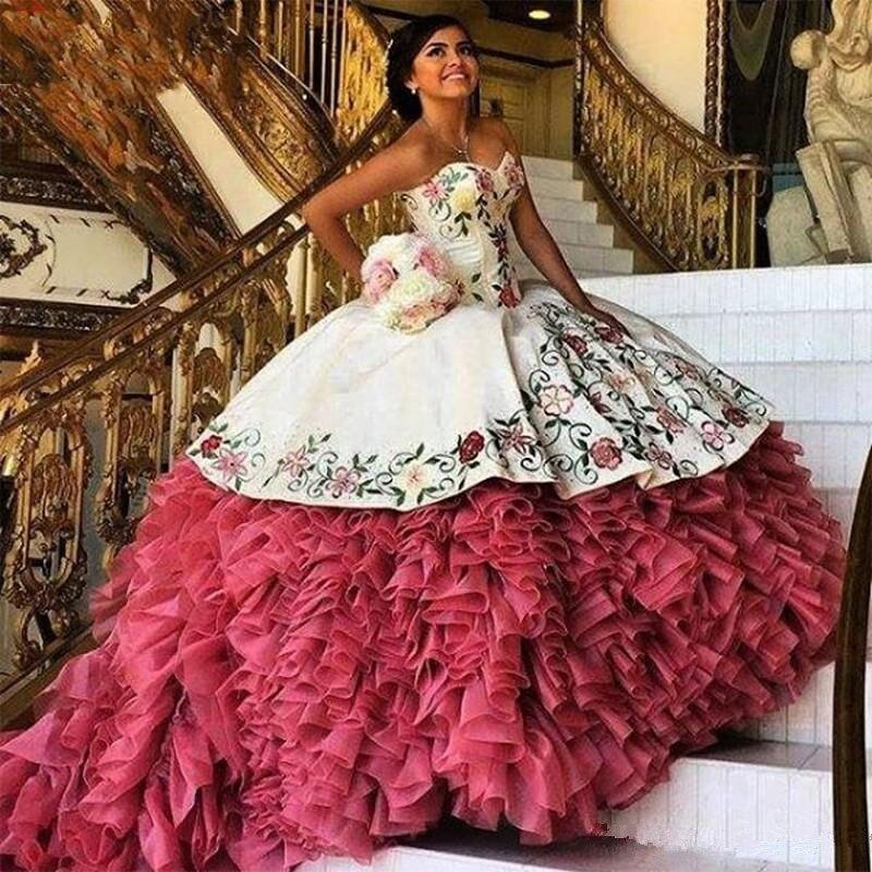 2019 blanc rouge broderie Quinceanera robes bouffantes robe De bal volants Organza couche douce 16 robe Vestidos De 15 Anos
