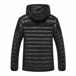 Image 3 - NewBang Marca 8XL 9XL 10XL degli uomini Imbottiture giacca Ultra Luce Imbottiture Uomini Giacca Leggero Della Piuma Con Cappuccio Caldo Portatile Inverno cappotto