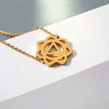 цена на Rose Gold Hollow Flower Pendant Necklace Sweater Jewelry Geometric Necklace Gold Chain For Women Birthday Gift 2019 New Fashion