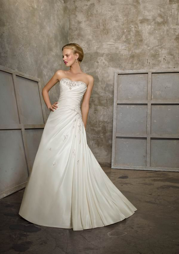 Free Shipping New Arrival Gorgeous Sleeveless A Line Taffeta Designer Wedding Dresses Bridal Gown With Court Train