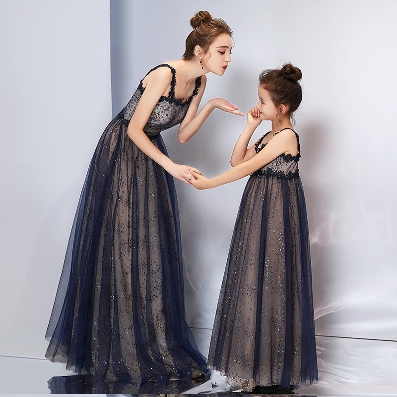 Mother Daughter Sleeveless Dresses 2019 Spring And Summer New Fashion Sequin Lace Flower Tulle Long Mother And Daughter DressesMother Daughter Sleeveless Dresses 2019 Spring And Summer New Fashion Sequin Lace Flower Tulle Long Mother And Daughter Dresses