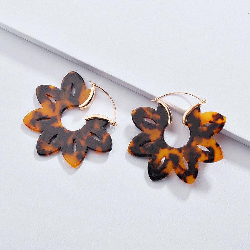 1c70c38b0 ZWPON 2018 Chic Leopard RESIN HOOP EARRINGS for Women Flower Acetate Acrylic  Tortoiseshell Earrings Jewelry Wholesale-in Hoop Earrings from Jewelry ...