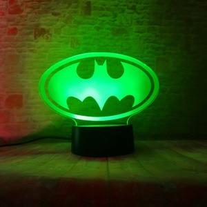 Image 2 - Lampara de mesa para niños, regalos de cumpleaños o de Navidad, de la Liga de la justicia de Marvel, Batman, 7 colores, luz nocturna 3D