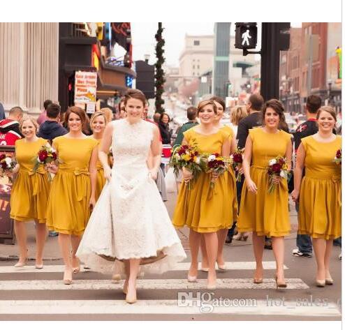 a0d332b24 2017 Vestidos de dama de Honor Con Tripulación de Mostaza Acanalada Sash  Una Línea de Gasa